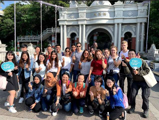 English guided talking tours of Daxi Old Street 01