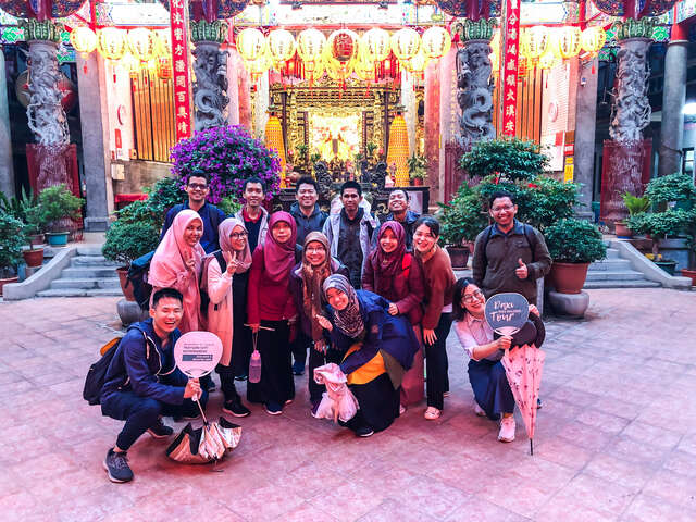 English guided talking tours of Daxi Old Street 03